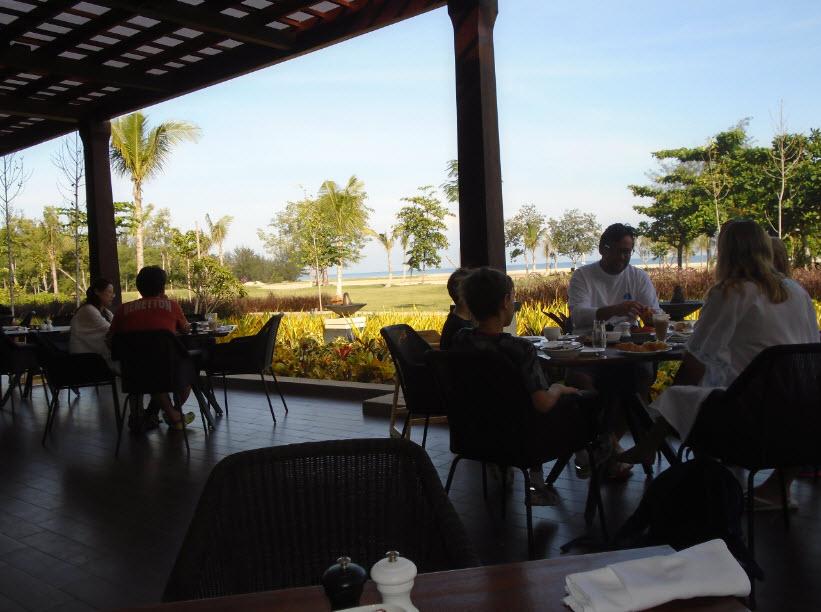 shangri la rasa ria hotel, kota kinabalu, borneo malaysia