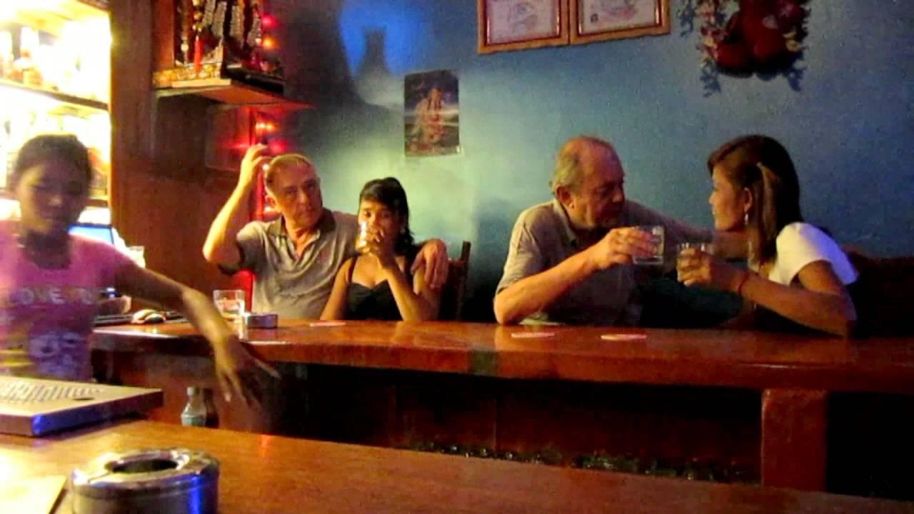 mikeys bar siem reap cambodia